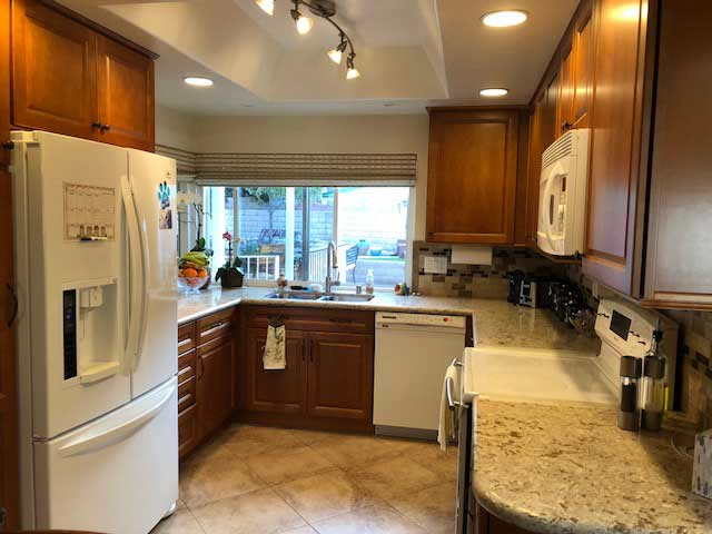 nobleliving_eldercarehome_decantureSt_kitchen1