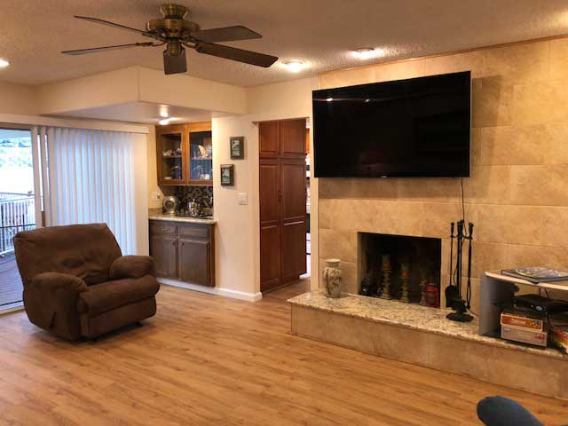 nobleliving_eldercarehome_decantureSt_livingroom4