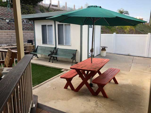 nobleliving_eldercarehome_decantureSt_patio1