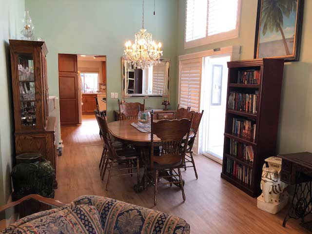 nobleliving_eldercarehome_decanturest_diningarea1