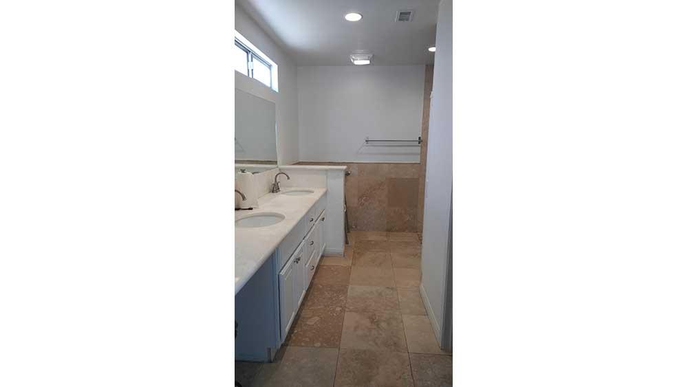 nobleliving_eldercarehome_hillslane_restroom